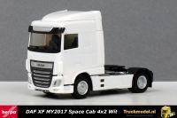 Herpa 309059 DAF XF MY2017 Space Cab 4x2 Trekker wit