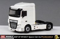 WSI Models 03-2019 DAF XF MY2017 Space Cab 4x2 Trekker Wit