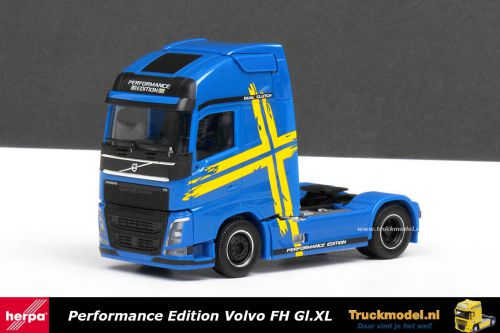 Herpa 308243 Volvo Swedish Performance Edition Globetrotter XL trekker