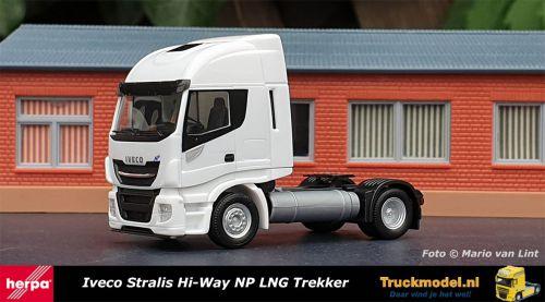 Herpa 309141 Iveco Stralis Hi-Way NP LNG Trekker Wit