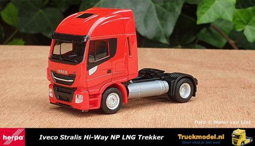 Herpa 309165 Iveco Stralis Hi-Way NP LNG Trekker Rood