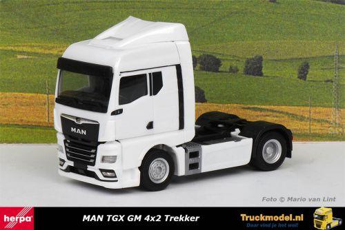 Herpa 311960 MAN TGX GM 4x2 Trekker Wit