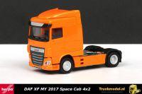 Herpa 309066 DAF XF MY 2017 Space Cab 4x2 Trekker